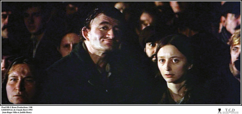 Étienne s'adresse à la foule des mineurs.