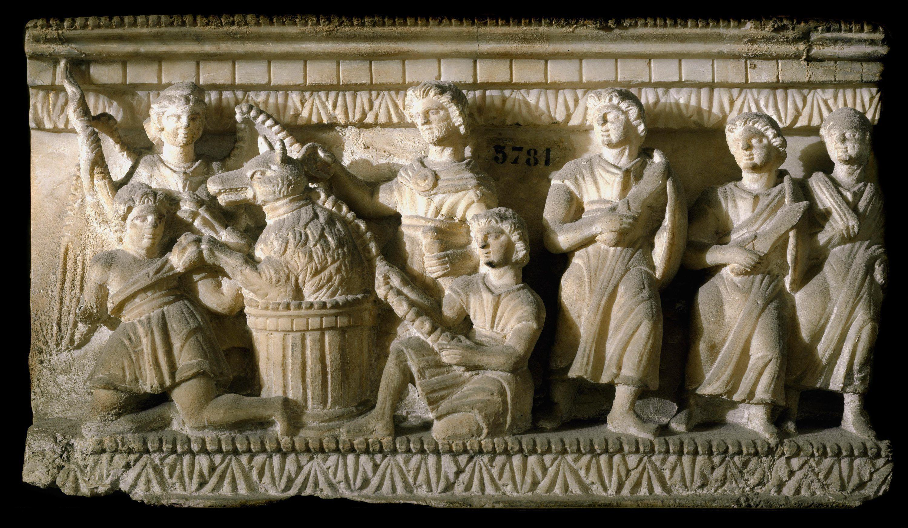 L'art funéraire : le bas-relief d'un sarcophage