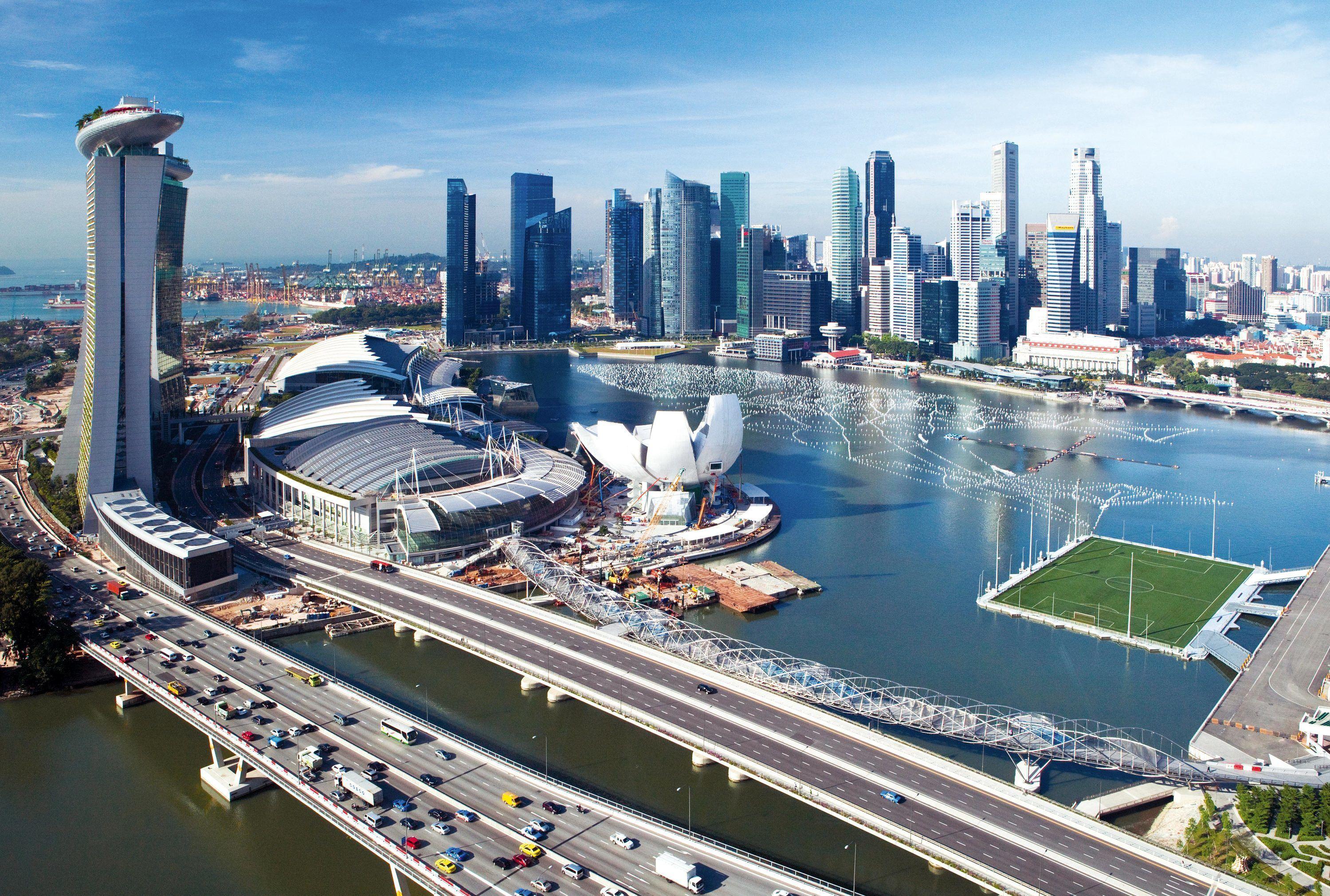 un centre d u2019affaires et de loisirs sur des iles artificielles  u00e0 singapour