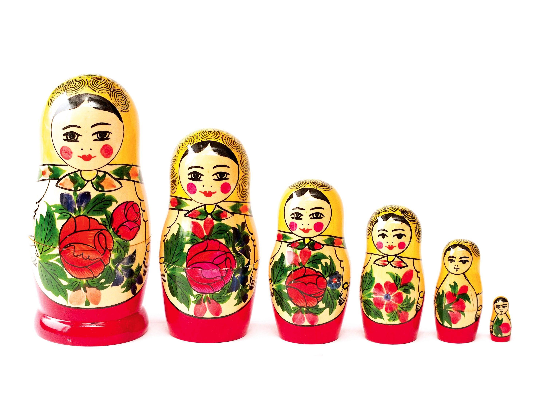 Poupées russes.
