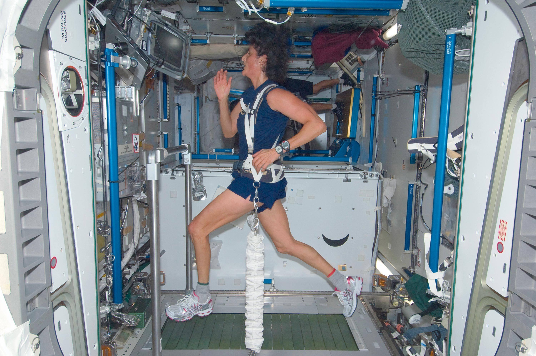 Sunita Williams participant au martahon de Boston depuis la station spatiale internationale