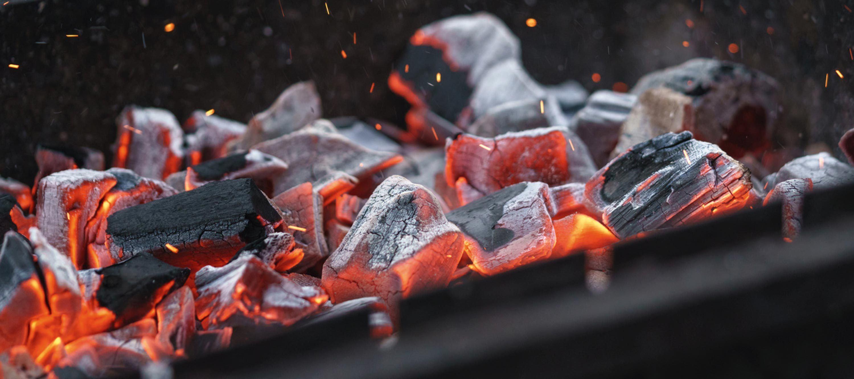 Le carbone, élément-clé du barbecue.
