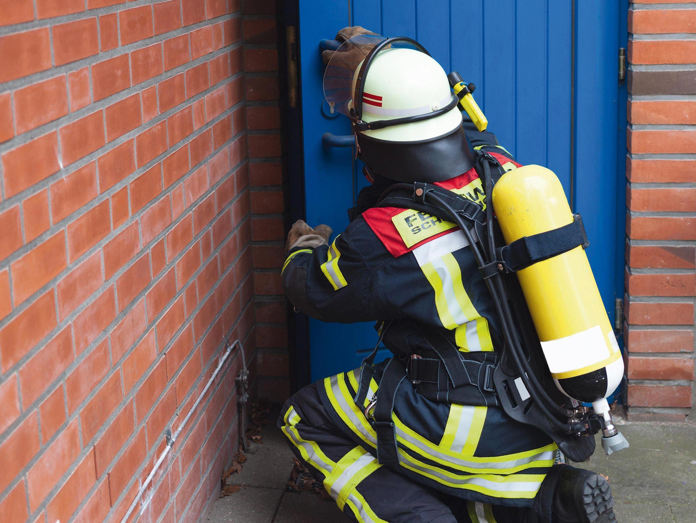 Bouteilles de pompiers.