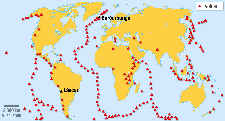 La répartition des volcans terrestres et sous-marins sur Terre.