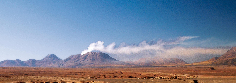 L'éruption du volcan Láscar au Chili en 2006.