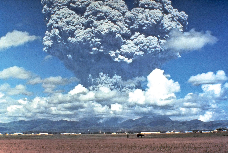 Le panache de cendres de l'éruption du Pinatubo en 1991.