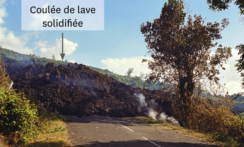 L'éruption du piton de la Fournaise du 2 avril 2007.